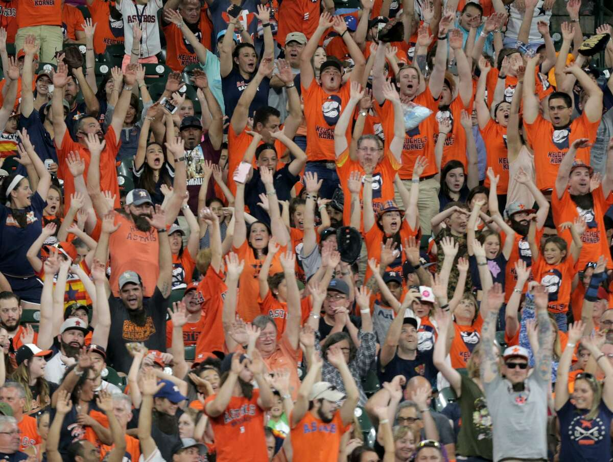 Fans do the wave in Keuchel's Korner during the Houston Astros and Baltimore Orioles in the second of a three-game series at Minute Maid Park on Saturday, May 27, 2017, in Houston. Astros lead the series 1-0. ( Elizabeth Conley / Houston Chronicle )