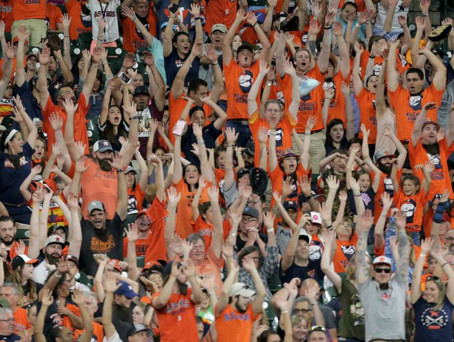 Fans do the wave in Keuchel's Korner during the Houston Astros and Baltimore Orioles in the second of a three-game series at Minute Maid Park on Saturday, May 27, 2017, in Houston. Astros lead the series 1-0. ( Elizabeth Conley / Houston Chronicle ) Photo: Elizabeth Conley/Houston Chronicle