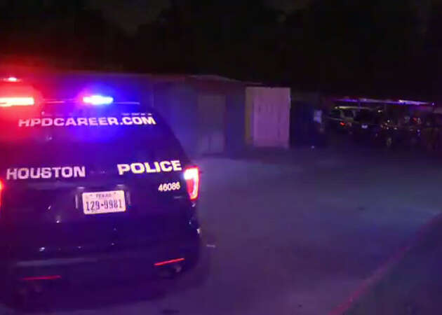 Man shot to death outside west Houston apartment complex