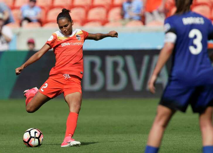 Houston Dash defender Poliana Barbosa Medeiros (2) shoots for the goal during the second half of the game at BBVA Compass Stadium Saturday, May 27, 2017, in Houston .