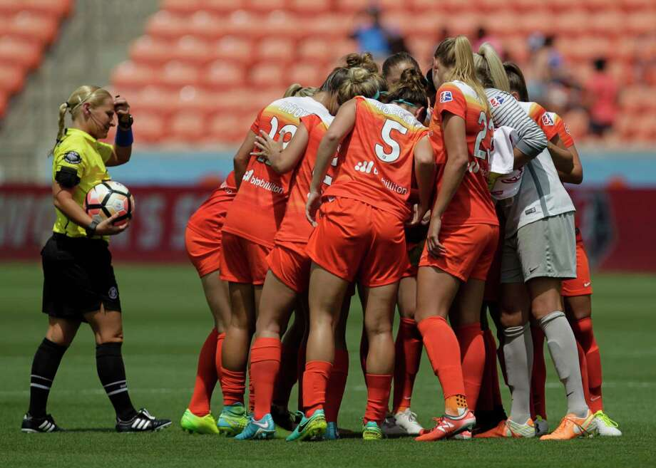Five days after coach Randy Waldrum was fired, the Dash on Saturday night lost to the Washington Spirit, 2-0 at the Maryland SoccerPlex in Boyds, Md. Photo: Yi-Chin Lee, Houston Chronicle / © 2017  Houston Chronicle