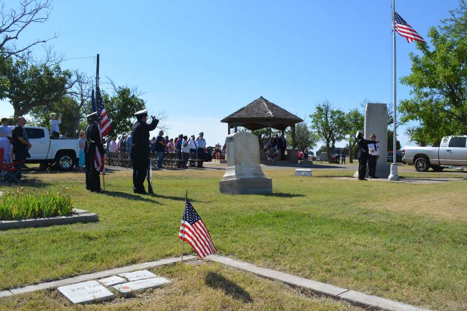 Before reading President Trump's proclamation designating Memorial Day 2017 as a Day of Prayer for Permanent Peace, Dr. Charles Starnes told a large crowd attending the holiday observance in Plainview Cemetery that America needs citizens to help like never before to remain strong.
