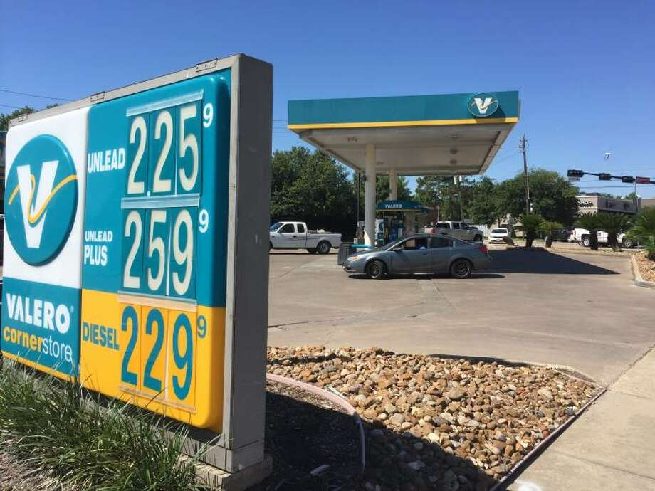San Antonio Gas Prices >> Valero Corp S Profits Surge On Higher Post Harvey Gas
