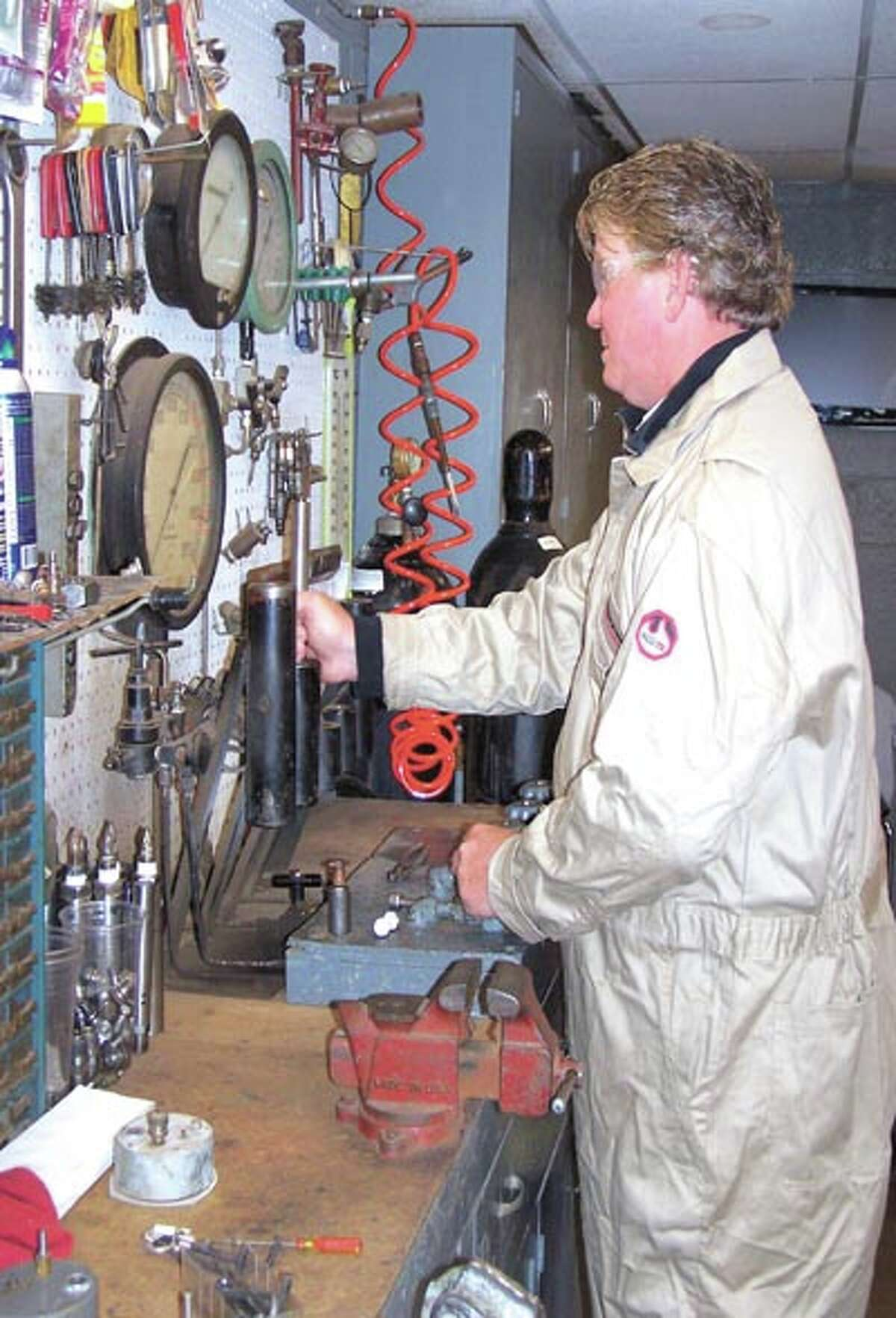 Jeffery Moore, Gas Lift Manager for Production Lift Companies, has more than a quarter century of experience in gas lift. Getting him involved in the planning stages of a gas lift well can help maximize production.