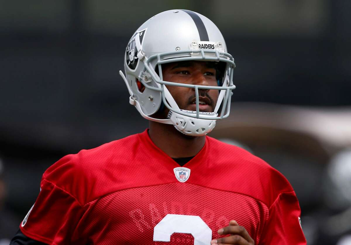 Quarterback EJ Manuel runs during an Oakland Raiders team practice in Alameda, Calif. on Tuesday, May 30, 2017.