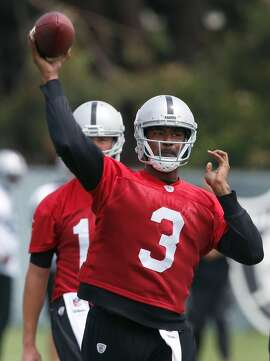 Quarterback EJ Manuel throws a pass during an Oakland Raiders team practice in Alameda, Calif. on Tuesday, May 30, 2017.