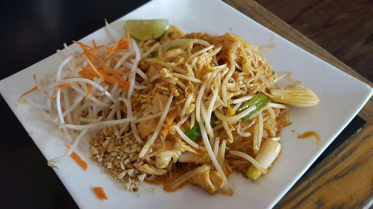 Nob Hill, Russian Hill and Tenderloin: Zen Yai Thai Restaurant Cuisine:Thai771 Ellis St., zenyaithai.eat24hour.com