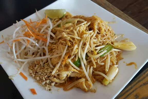 Zen Yai Thai : pad thai with chiceken and shrimp