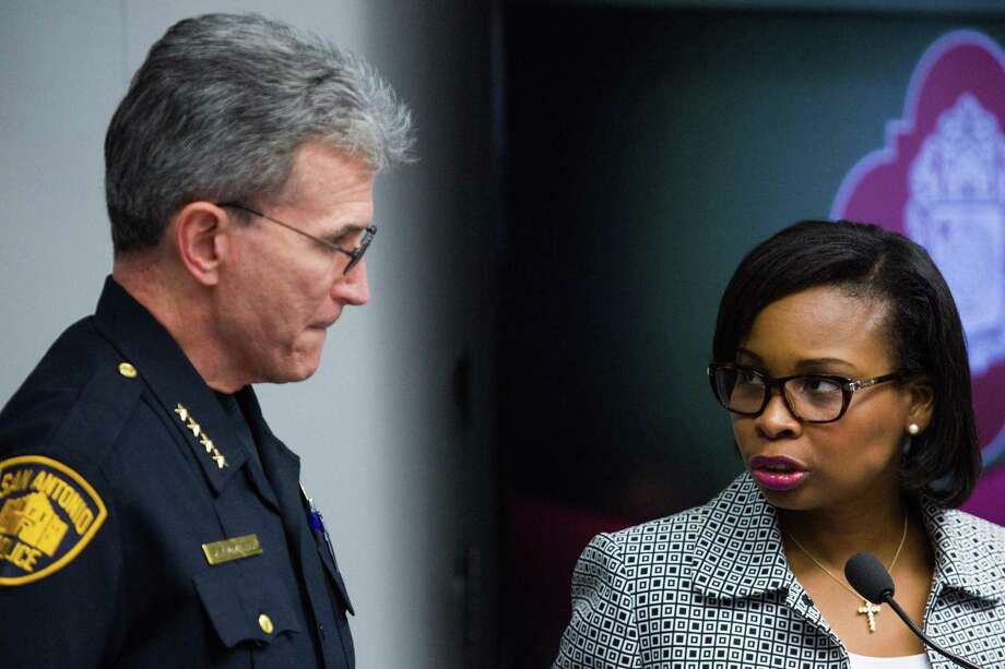 Mayor Ivy Taylor spoke with SAPD Chief William McManus during a meeting in October of the Mayor's Council on Police-Community Relations at City Hall. Ray Whitehouse / for the San Antonio Express-News Photo: Ray Whitehouse /for The San Antonio Express-New