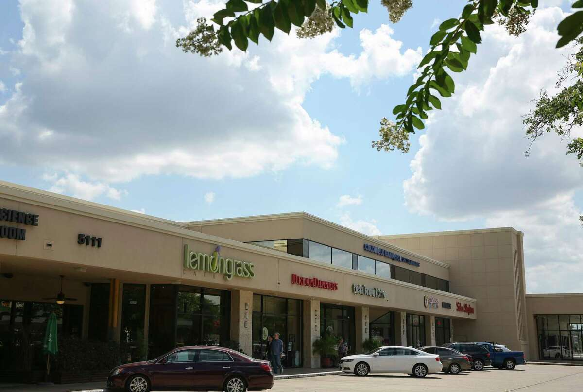 The Bellaire Town Center will be torn down and redeveloped into a much larger shopping center at the southwest corner of South Rice and Bellaire Blvd Tuesday, May 30, 2017, in Houston. ( Yi-Chin Lee / Houston Chronicle )