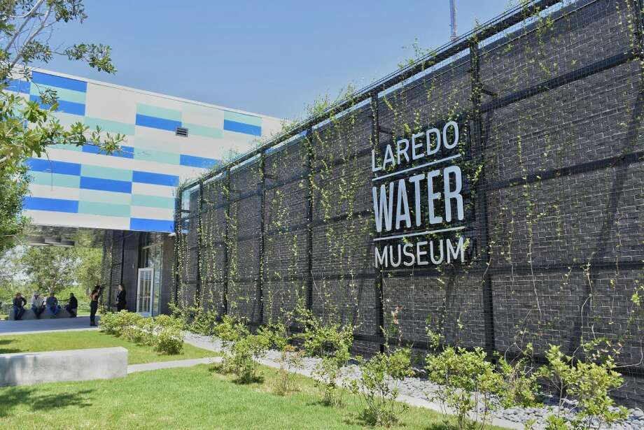 Several elected officials and members of the community celebrated the Laredo Water Museum ribbon cutting ceremony Tuesday, May 30, 2017. Photo: Ulysses S. Romero/Laredo Morning Times