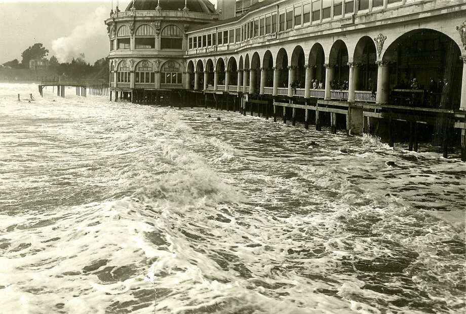 Severe storm went through Santa Cruz, causing flooding. February 13, 1926 Photo: Chronicle Archives