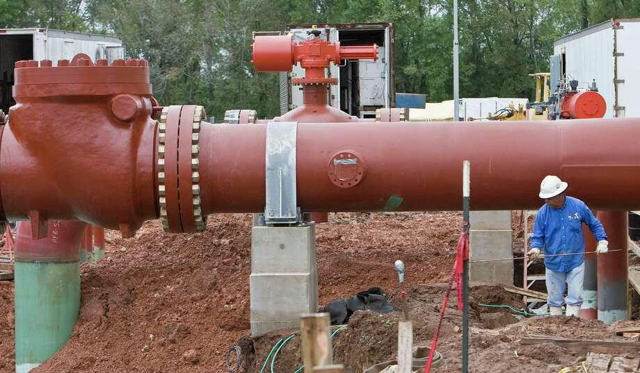 Construction work continues at CenterPoint Energy's natural gas compressor station Monday, Oct. 5, 2009, south of Shreveport.