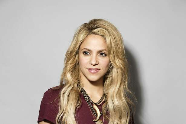 """In this May 16, 2017 photo, Colombian performer Shakira poses for a portrait in New York to promote her 11th album """"El Dorado"""". (Photo by Victoria WIll/Invision/AP)"""