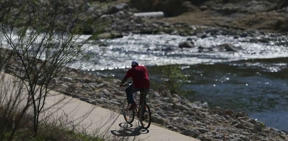 In 2010, the county funded $61.3 million of the corps' share of the joint Mission Reach project, which restored the river's wildlife habitat and added pedestrian and bike trails and boat chutes on the South Side. Photo: John Davenport /San Antonio Express-News / ©San Antonio Express-News/John Davenport