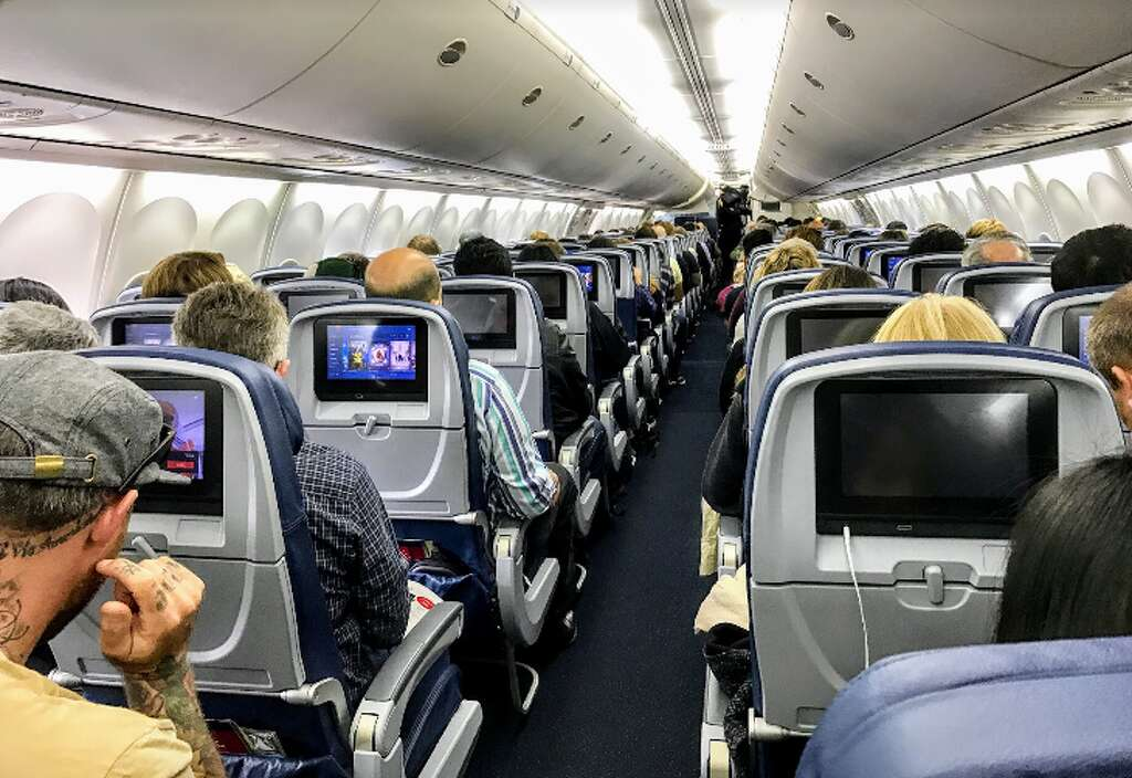 United Squeezing Even More Seats Onto Planes The Hour