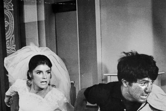 Katherine Ross and Dustin Hoffman in THE GRADUATE