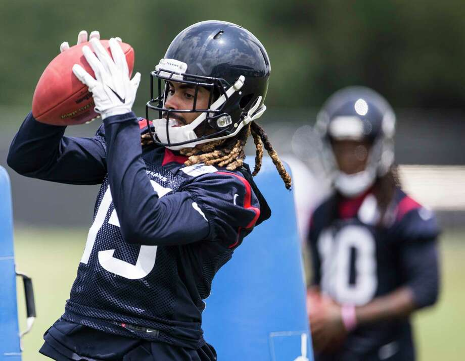 Houston Texans wide receiver Will Fuller (15) makes a catch during OTAs at The Methodist Training Center on Wednesday, May 31, 2017, in Houston. ( Brett Coomer / Houston Chronicle ) Photo: Brett Coomer, Staff / © 2017 Houston Chronicle