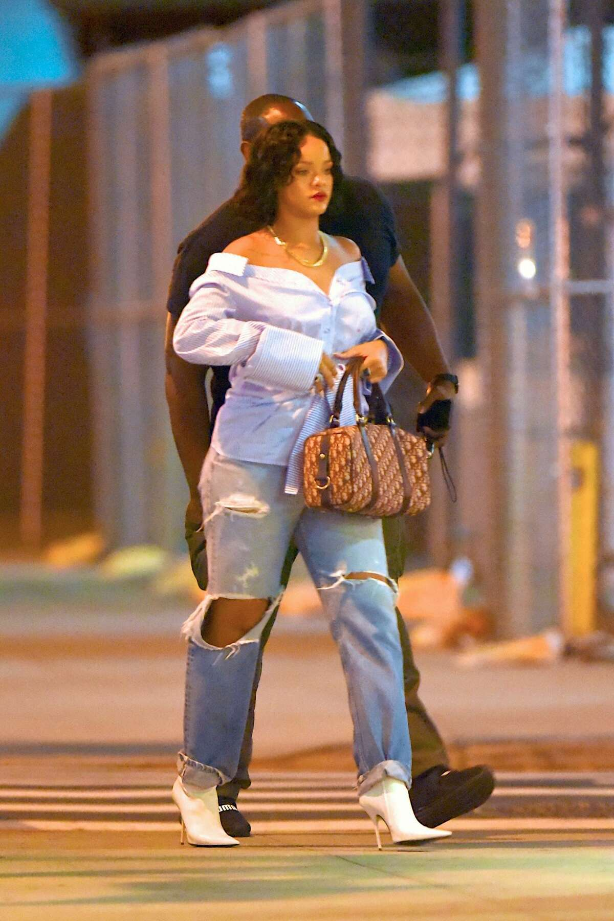 Rihanna has been in headlines because some photos emerged of her looking a little curvier than usual. >>KEEP CLICKING TO SEE THE MANY FACES OF RIHANNA
