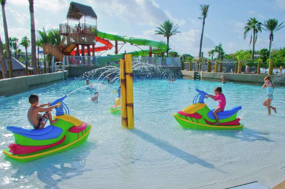 The Moody Gardens summer hot spot – and private beach – is open for the season with the opportunity to keep cool at Palm Beach in the 650-foot lazy river, wave pool and two 18-foot tower slides or lounge beneath palm trees. Photo: Kim Christensen, Kim Christensen Photography / ©Kim Christensen