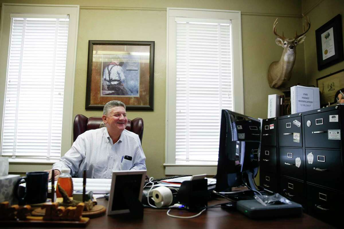 McMullen County Judge James Teal sits in his office in the McMullen County Courthouse Tuesday, May 23, 2017 in Tilden. McMullen County had the highest average gross income in the country in 2015. ( Michael Ciaglo / Houston Chronicle )
