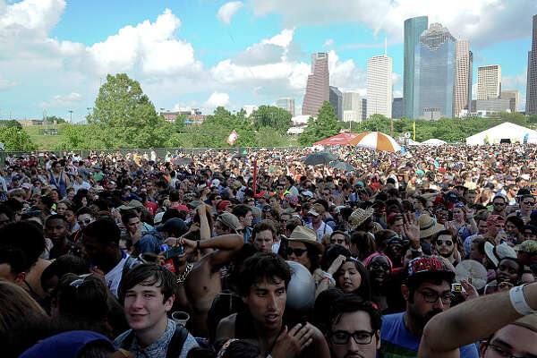 Free Press Summer Festival is here.     >>Here are 10 tips to having the best FPSF experience.