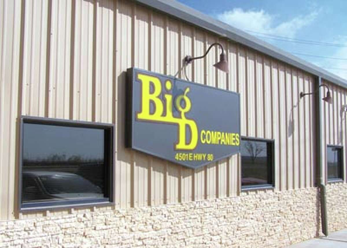 If life begins at 40, Big D is more ready than ever to handle your water transfer, construction and fencing requirements. Call Gary Moore at 432-438-7486 to learn more.