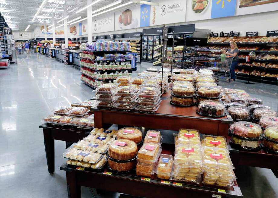 The bakery and meat departments of the new Walmart in Katy. Photo: Michael Wyke, Freelance / © 2017 Houston Chronicle
