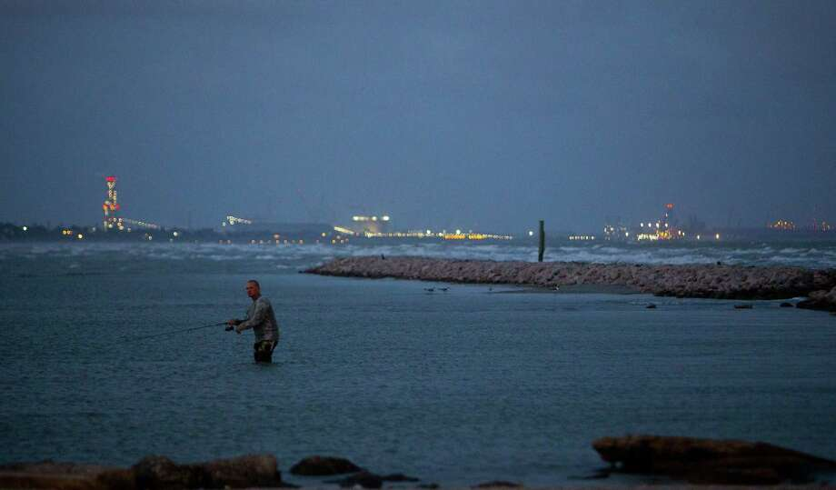 In a study released Thursday, Aug. 30, 2018, researchers find that Corpus Christi Bay has the most unsafe beaches in Texas. (Mark Mulligan / Houston Chronicle file) Photo: Mark Mulligan, Staff Photographer / 2017 Mark Mulligan / Houston Chronicle