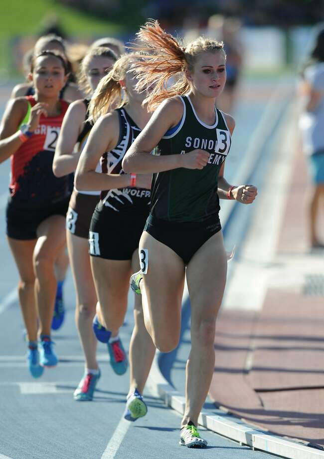Sonoma Academy-Santa Rosa's Rylee Bowen had the fourth-best qualifying time (4:52.78) in the girls 1,600-meter run at Friday's CIF state meet track and field trials at Clovis High School in Fresno. Photo: Eric Taylor, MaxPreps