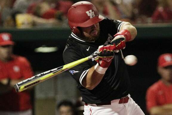 Houston infielder Joe Davis (44) bats during the eighth inning of the 2017 NCAA Regional game at Darryl and Lori Schroeder Park Friday, June 2, 2017, in Houston. ( Yi-Chin Lee / Houston Chronicle )