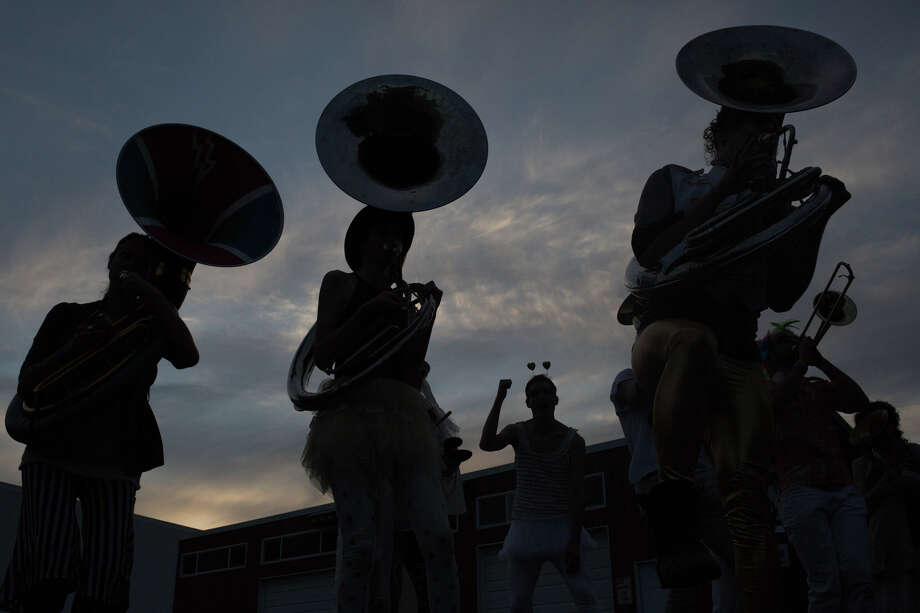 Artesian Rumble Arkestra plays as the sun sets on the first day of HONK! Fest West 2017 in Georgetown on Friday, June 2, 2017. Photo: GRANT HINDSLEY, SEATTLEPI.COM / SEATTLEPI.COM