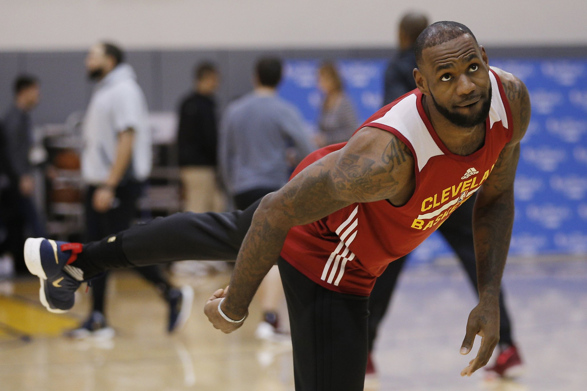 8d26182e19c5 Cleveland s LeBron James aims to extend road playoff streak - San Antonio  Express-News