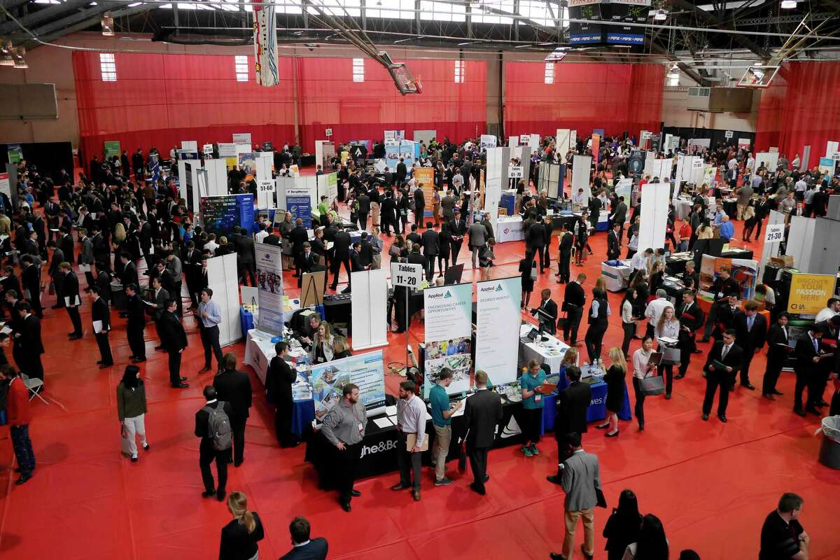 Students from RPI wait in lines to talk with recruiters from various businesses at the Rensselaer Spring Career Fair on Wednesday, Feb. 8, 2017, in Troy, N.Y. (Paul Buckowski / Times Union)
