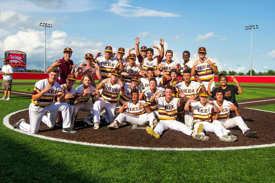 Deer Park players pose for a team picture after the team defeated Travis during Class 6A Region Final (Game 3) between Travis vs Deer Park at Crosby High School, Saturday, June 3 2017, in Crosby. Deer Park defeated Travis 2-1. (Juan DeLeon/for the Houston Chronicle ) Photo: Juan DeLeon/For The Chronicle