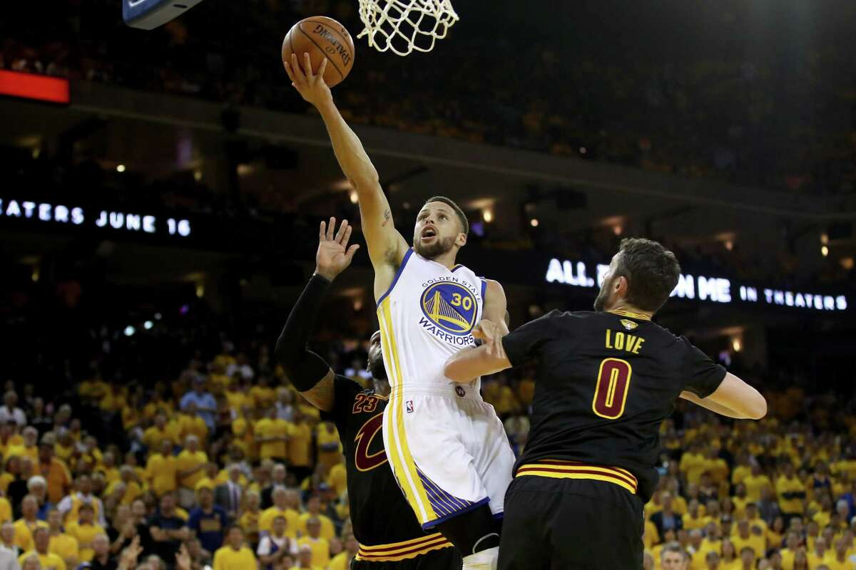 OAKLAND, CA - JUNE 04: Stephen Curry #30 of the Golden State Warriors goes up for a shot against the Cleveland Cavaliers in Game 2 of the 2017 NBA Finals at ORACLE Arena on June 4, 2017 in Oakland, California. NOTE TO USER: User expressly acknowledges and agrees that, by downloading and or using this photograph, User is consenting to the terms and conditions of the Getty Images License Agreement. (Photo by Ezra Shaw/Getty Images) ORG XMIT: 700056190
