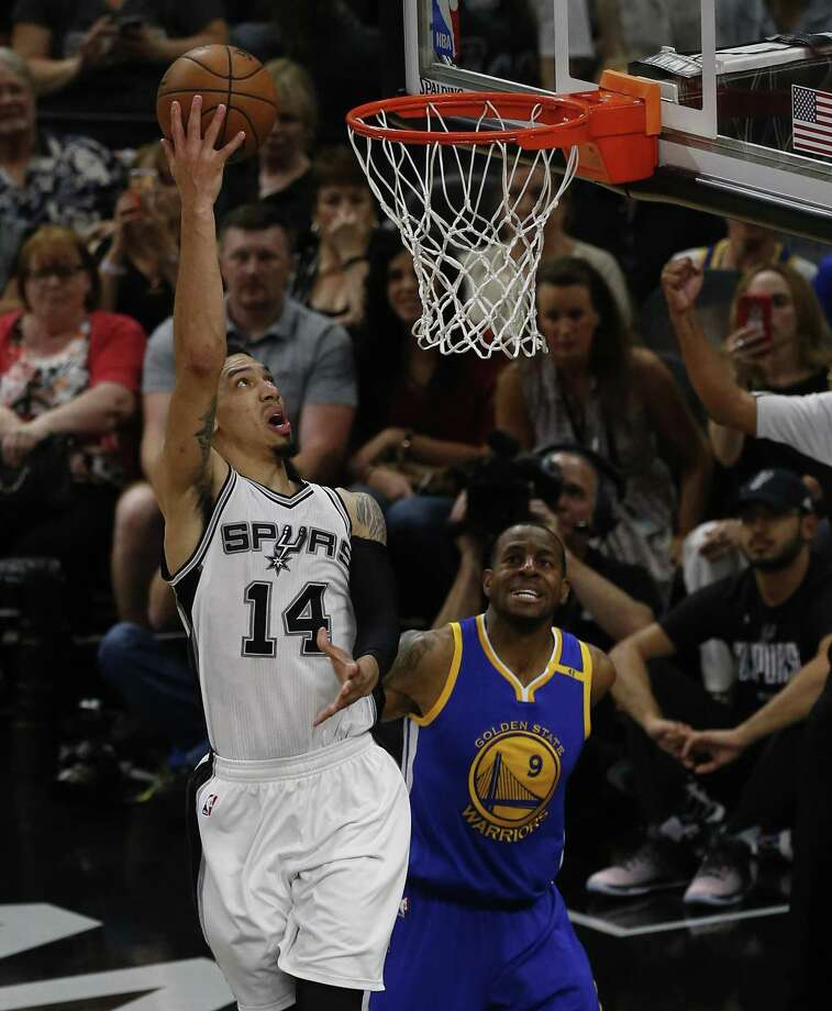 San Antonio's Danny Green's skills camp is coming to Laredo on July 15 and 16. The camp will take place at United High School and run from 9 a.m.-1 p.m. on both days. Photo: Kin Man Hui /San Antonio Express-News File / ©2017 San Antonio Express-News