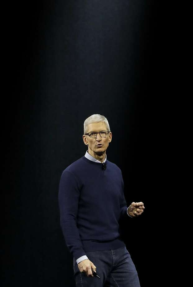 Apple CEO Tim Cook speaks at the Apple Worldwide Developers Conference in San Jose on Monday, June 5, 2017. Photo: Marcio Jose Sanchez, Associated Press