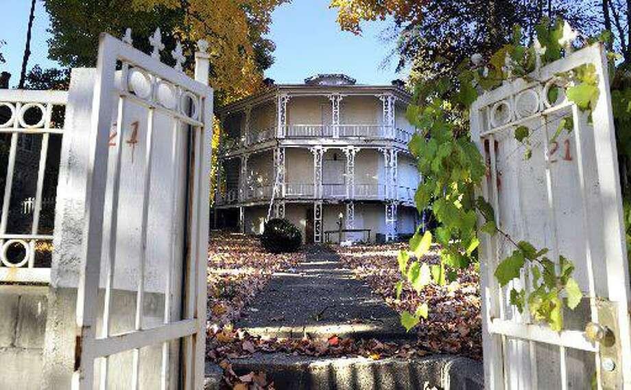 The 1852 Octagon House in Danbury Photo: / Carol Kaliff
