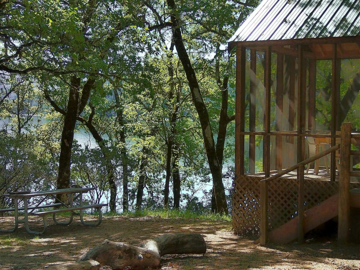 A rental cabin near the shore of Lake Pillsbury in Mendocino National Forest