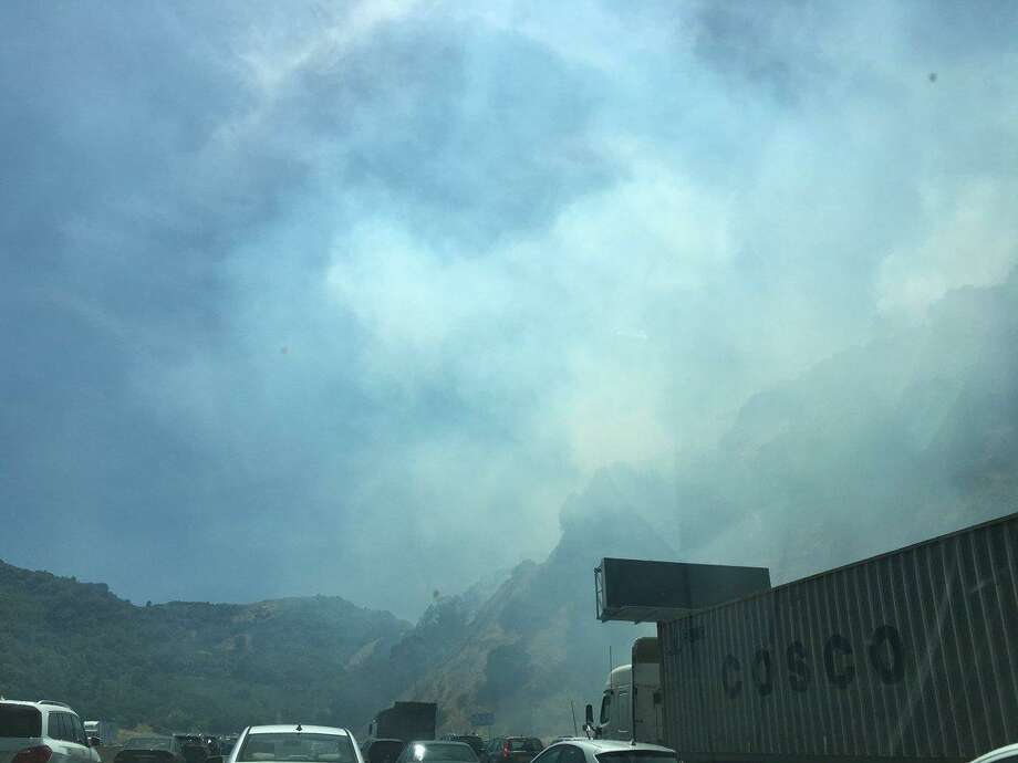 Grass fire in Orinda contained after partly shutting down