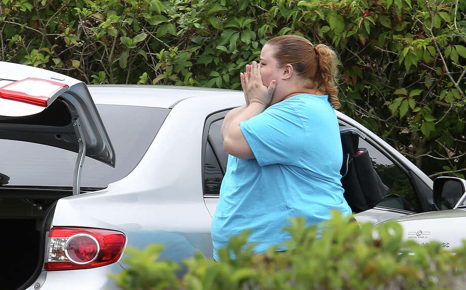 A scene of terror unfolded Monday morning in Orlando, Fla., when a man who was fired from an awning factory in April returned with a semiautomatic pistol and killed five people. Photo: Joe Burbank, MBO / Orlando Sentinel 2017