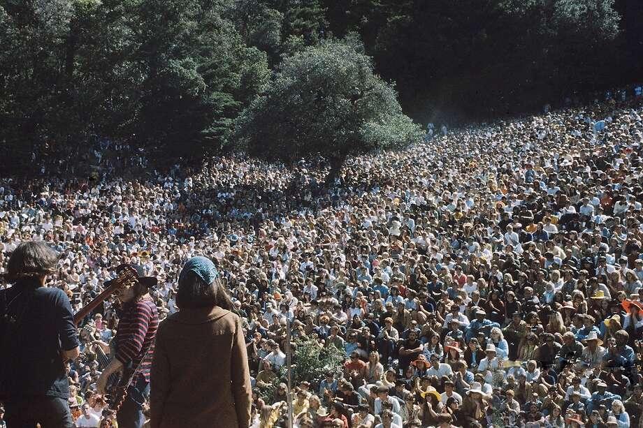 The Jefferson Airplane at the Magic Mountain Festival, Mountain Theater, 1967. Photo: Suki Hill