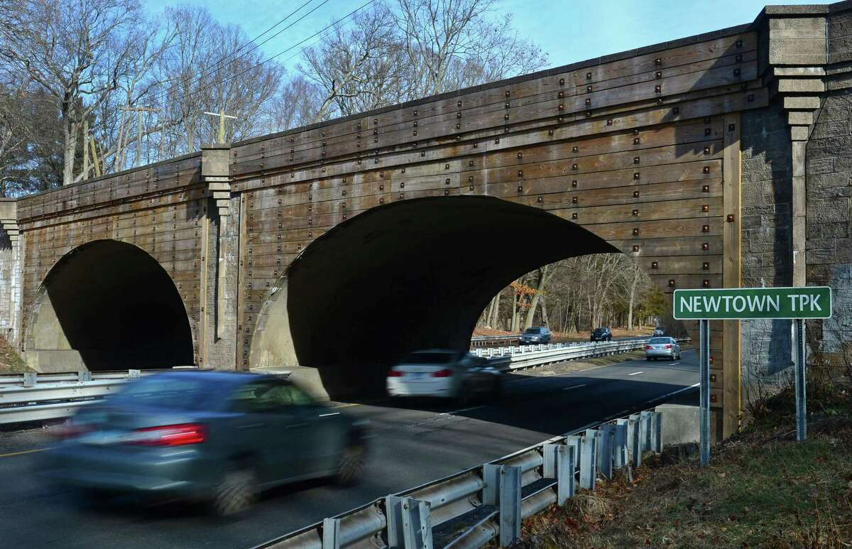 The Newtown Turnpike overpass on The merritt Parkway Friday, February 3, 2017, in Norwalk, Conn. Both the north and southbound lanes of the Merritt Parkway could be closed Sunday night to install a new powerline across the parkway.
