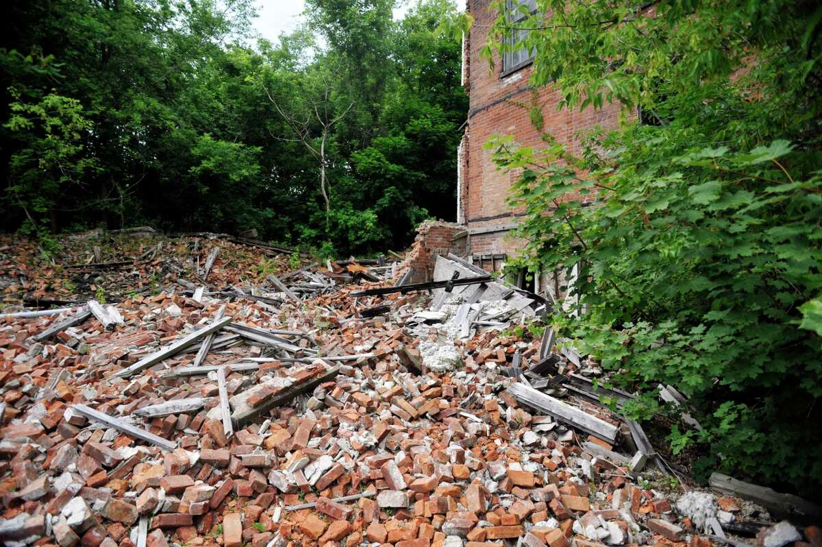 A view of the former Thompson textile mill site on Tuesday, June 28, 2016, in Valley Falls, N.Y. The Environmental Protection Agency announced May 31, 2017 that Valley Falls has received $200,000 toward clean-up of the site. (Paul Buckowski / Times Union)