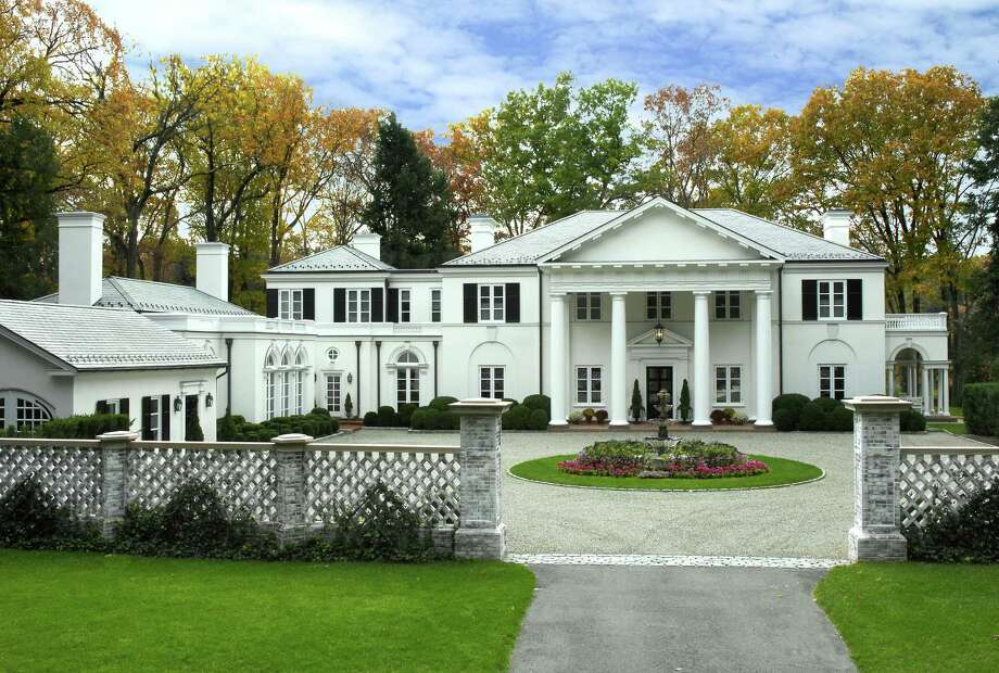 The country manor house at 99 Huckleberry Hill Road was designed by renowned architect Allan Greenberg, and it has been featured in several books and magazines.