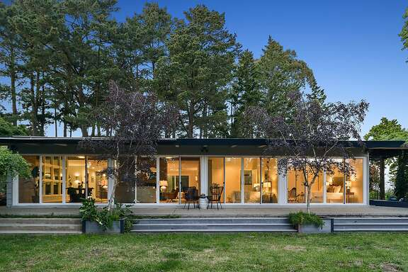 The Oakland home at 80 Skyline Lane was built in 1952.�