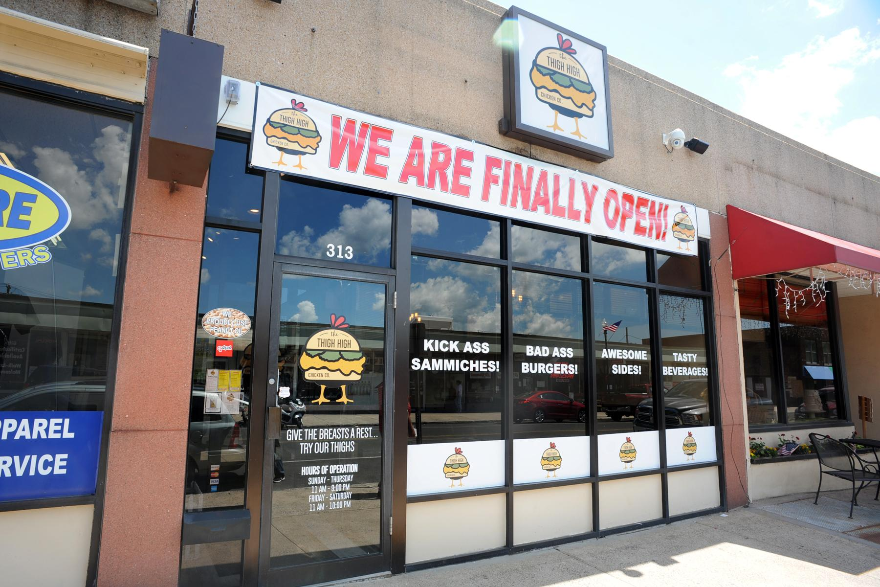 Transitions chicken restaurant opens in downtown ansonia for Swanson s fish market