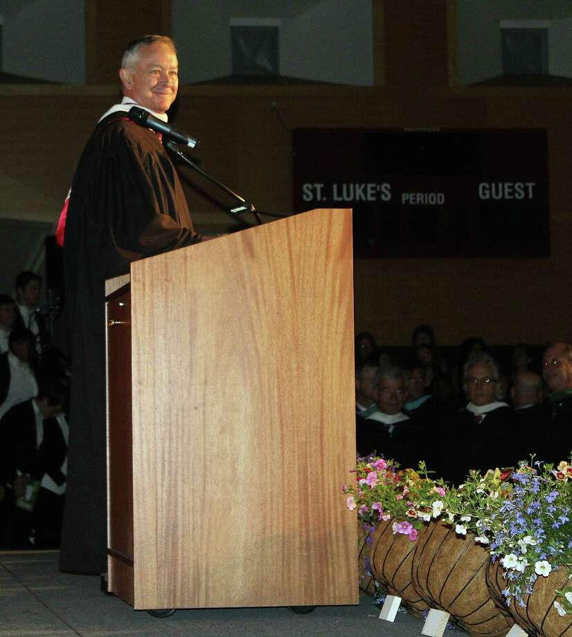 St. Luke's Head of School Mark Davis welcomes the crowd at commencement on June 2, 2017 in New Canaan, CT. Photo: Erin Kayata / Hearst Connecticut Media / New Canaan News