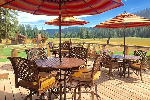 Highland Ranch is a�rustic-luxe resort with a dude ranch vibe. Glaciers and geothermal springs of Lassen are just 10 minutes away.